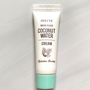 5/$25!🌟 AVETTE Water Flash Coconut Water Cream